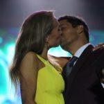 Beso Karen y Rafael